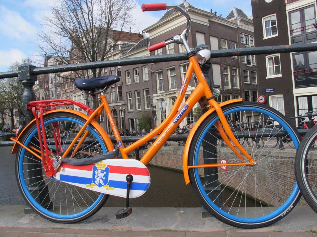 Amsterdam ohne Fietsen undenkbar