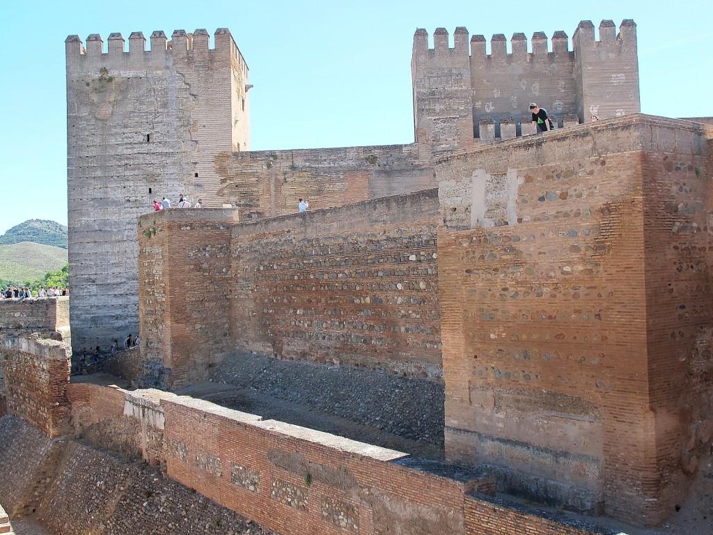 Die roten Mauern der Alhambra